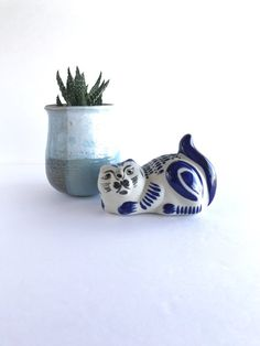 Small Tonala Pottery Cat Vintage Mexican by SandHollowVintage
