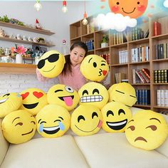 Soft Pillow Emoji Smiley Emoticon Yellow Round Cushion Plush Toy Doll Decor
