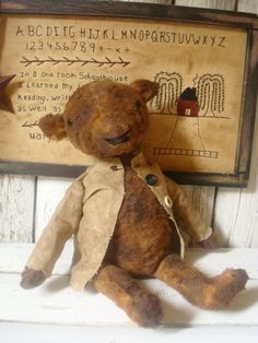 Primitive folk Art Bear by ColdCreekPrimitives on Etsy, $25.95- I love this bear! I have it favorited on Etsy!