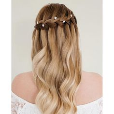 I love how this intricate braiding looks so simple - especially with my tiny Minna flower hair pins! For more styling ideas click the link in my profile! Hair @jennedwardsartistry :camera: @shelley_richmond_ x