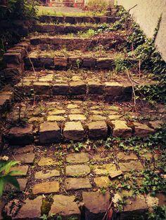 Treppe  #Treppen #Stairs #Escaleras repinned by www.smg-treppen.de #smgtreppen
