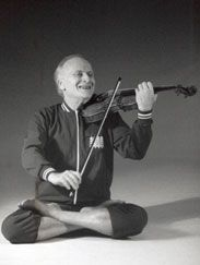 Violinist Yehudi Menuhin playing in Padmasana Loved and Pinned by http://www.zumba-classlocator.com/ to our Yoga community boards
