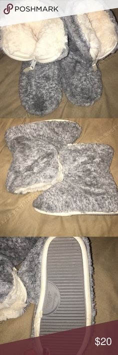 Fuzzy slippers Never worn. Fits a size 5/6 Shoes Slippers