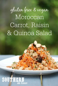 This Moroccan Carrot Raisin and Quinoa Salad Recipe is full of flavour and nutrition! The perfect healthy lunch or dinner side this recipe is gluten free grain free high protein vegan vegetarian dairy free egg free meat free sugar free and a cle Sin Gluten, Vegan Gluten Free, Vegan Vegetarian, Dairy Free, Vegetarian Recipes, Healthy Recipes, Healthy Foods, Vegetarian Times, Salad Recipes Gluten Free