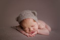 Toronto newborn photographer specializing in babies, maternity and family photography in the greater Toronto area. Newborn Photographer, Family Photographer, Maternity, Photographs, Beanie, Teen, Couples, Children, Baby