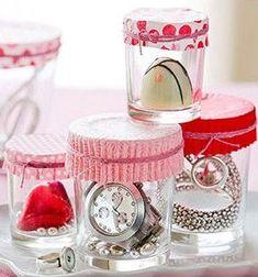 Fermer des pots en verre avec des moules à petits cakes.