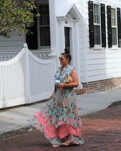 The perfect maxi dress for Summer. Take a walk with me through Historic Downtown Charleston, SC