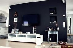 Paint wall behind tv awesome idea Emily Henderson Blue Accent Walls, Dark Blue Walls, Accent Wall Colors, Navy Walls, Black Walls, Living Room Tv, Home And Living, Living Spaces, Wall Behind Tv