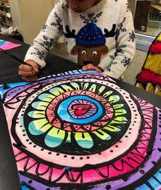 Classroom Art Projects, School Art Projects, Art Classroom, 2nd Grade Art, Second Grade, Mandala Art Lesson, Ecole Art, Art Curriculum, Collaborative Art