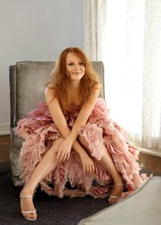 Lauren Ambrose with another pair of feminine, flirty size 10 sandals.