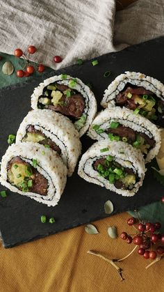 Healthy Recipes This huge sushi roll is for tuna lovers only. - This huge sushi roll is for tuna lovers only. Sushi Recipes, Seafood Recipes, Asian Recipes, Cooking Recipes, Healthy Recipes, Simple Recipes, Healthy Drinks, Healthy Food, Kids Meals