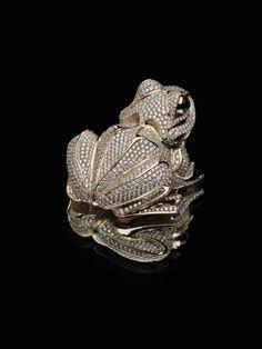 Frog Gold 14K falcon eye diamonds (6,95) - 1248  H = 30 mm © Anna Nova Jewellery House