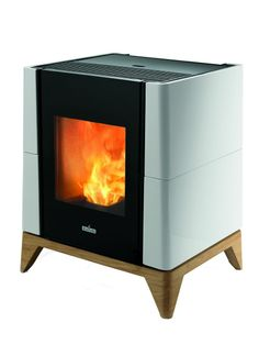 Smartheat : supplying wood pellet stoves to Irish homes since Our mission is to provide sustainable wood heating solutions for your home. Convection Stove, Boiler Stoves, Wood Pellet Stoves, Fireplace Heater, Cooking Stove, Wood Pellets, House Inside, Tiny House, Fireplace Design