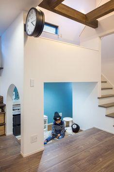 階段下を利用したキッズスペース。リビング・ダイニングどこにいてもお子様の様子がうかがえます。