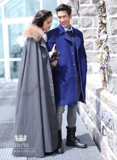 Thai Princess, Thai Drama, Sweet Couple, The Crown, Celebrity Couples, Gossip Girl, Cute Couples, Raincoat, Street Style