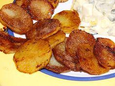 Bratkartoffeln - innen weich, außen sehr knusprig, ein schönes Rezept aus der Kategorie Braten. Bewertungen: 133. Durchschnitt: Ø 4,6.