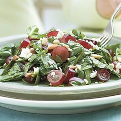 Spinach-Grape Chopped Salad Recipe from Southern Living: 2 T toasted pine nuts, 1 pkg. baby spinach, 1 C seedless red grapes sliced, C crumbled reduced-fat feta cheese, C light raspberry-walnut vinaigrette. Shrimp Salad Recipes, Chopped Salad Recipes, Summer Salad Recipes, Summer Salads, Chopped Salads, Chopped Spinach, Salad Bar, Soup And Salad, Southern Living