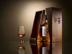 Suntory announce the release of its 2017 Yamazaki Mizunara Cask Edition. Available this October.