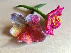 Wet Felted Trumpet Flower Tutorial - YouTube