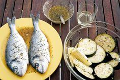 Paikalliset maut ovat osa matkakokemusta. Madeiralla ruoka on aina tuoretta, sillä suurin osa tuotteista on lähiruokaa. Tutustu madeiralaisen keittiön saloihin blogissamme ja poimi herkullinen Bolo do Cacon resepti talteen. Herkullisia lukuhetkiä! #Aurinkomatkat #matkailu #matkablogi #ruoka #Madeira