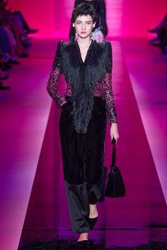 Armani Privé Fall 2015 Couture Fashion Show Collection