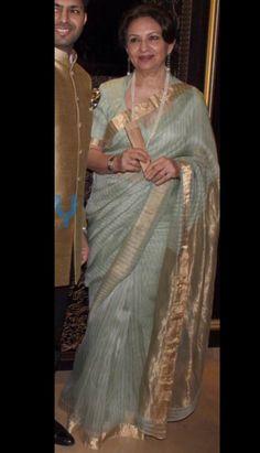 Discover thousands of images about Indian Dresses, Indian Outfits, Dhakai Jamdani Saree, Formal Saree, Sari Design, Indian Silk Sarees, Trendy Sarees, Elegant Saree, Saree Look