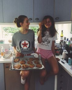 BFF Goals - Food Meme - BFF Goals Food Meme Clean punk and west forest The post BFF Goals appeared first on Gag Dad. The post BFF Goals appeared first on Gag Dad. Bff Pics, Photos Bff, Cute Friend Pictures, Friend Photos, Roommate Pictures, Cute Bestfriend Pictures, Funny Pictures, Sister Pics, Photo Pour Instagram