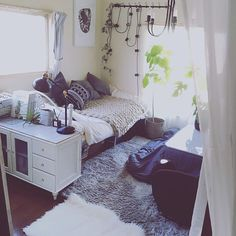 White-blue themed room with kotatsu 💙 hanging lights and plants 💚 Studio Apartment Decorating, Apartment Interior, Apartment Living, Room Interior, Studio Decor, Deco Studio, Small Space Living, Small Rooms, Home Bedroom