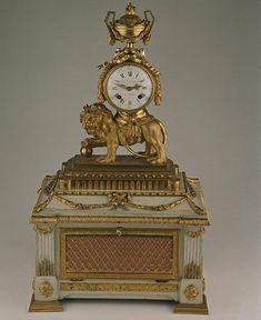 antique gilded lion clock