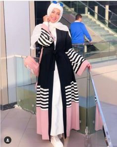 Renew your wardrobe with these, new abaya style which will enhance your personality. We have come with 50 different abaya style 2020 that will make you Modern Abaya, Modern Hijab Fashion, Abaya Fashion, Muslim Fashion, Modest Fashion, Fashion Outfits, Fashion Ideas, New Abaya Style, Estilo Abaya