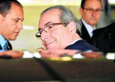 Área jurídica da Câmara dá sinal verde para a abertura de uma ação de impedimento de Dilma com base na acusação de que ela repetiu neste ano as pedaladas fiscais; presidente da Casa condiciona aceitação do pedido às decisões do procurador-geral contra ele