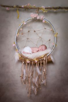 1st try with our dream catcher for this newborn photography session. #newbornphotography