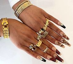 Love Bracelets, Cartier Love Bracelet, Bangles, Gifts For Friends, Jewelry, Fashion, Presents For Friends, Jewellery Making, Moda