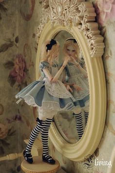 Alice In Wonderland Ball Jointed doll :BJD Pretty Dolls, Cute Dolls, Beautiful Dolls, Alice Madness, Adventures In Wonderland, Doll Repaint, Through The Looking Glass, Ooak Dolls, Ball Jointed Dolls