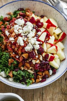 Apple Cranberry Bacon Kale Salad - Not only this salad recipe is packed full of hearty nutrients, but it tastes amazing too! : Apple Cranberry Bacon Kale Salad - Not only this salad recipe is packed full of hearty nutrients, but it tastes amazing too! Healthy Salads, Healthy Eating, Healthy Recipes, Diet Recipes, Savory Salads, Chicken Recipes, Healthy Food, Bacon Kale, Kale Salad Recipes
