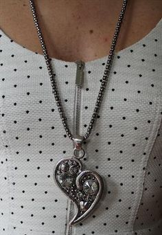 Necklace with abstract metal heart & facetted stone pendant. Accessorise and complete your look with this gorgeous heart necklace