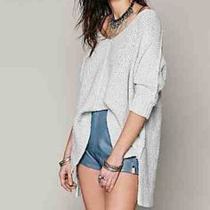 Free People Cozy Chunky Oversized Sweater Brand new, unworn. Oversized and so soft! Great for layering and versatile enough to wear all year! Light gray with specks of dark gray throughout. Free People Sweaters V-Necks