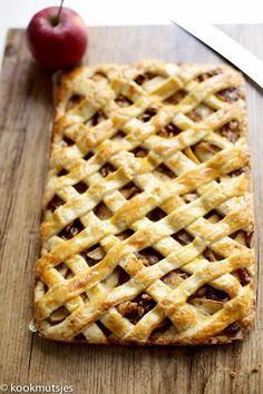 Baking Recipes, Cake Recipes, Pie Cake, Pie Dessert, High Tea, Tasty Dishes, No Cook Meals, Yummy Cakes, Fun Desserts