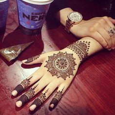 Gorgeous mandala henna