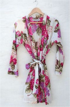 A pretty kimono or floral robe Bridesmaid Getting Ready, When I Get Married, Bridesmaid Robes, Curlers, Here Comes The Bride, Party Fashion, Spring Time, Dream Wedding, Underwear