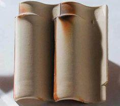 Capa-e-canal do tipo espanhola (26 x 46 cm), da Cerâmica Alarcon. Requer 12,...