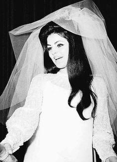 Bride Priscilla
