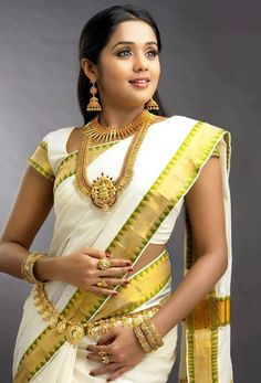 Ananya in a white saree. #Mollywood #Onam2015 #Fashion #Style #Beauty #Classy #Saree #Mallu #Kerala