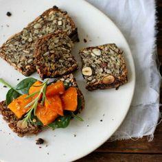 """""""Life changing loaf of bread"""" oftewel een brood (zonder meel) met..."""