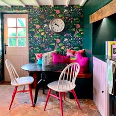 Be Colour Confident! Sophie Robinson solves your decorating dilemmas - Update Kitchen Cabinets, Kitchen Cabinet Colors, Kitchen Updates, Kitchen Ideas, Sophie Robinson, Plain Cushions, Interior Design Courses, Interiors Magazine, Home Technology