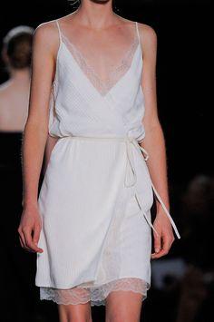 vestidos lenceros o estilo lencería que te sacaran tu lado sexi