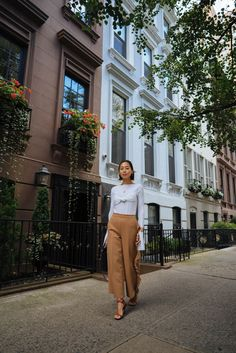 0cb14e23c3450 Aimee Song of the blog Song of Style shares an outfit post from New York  Fashion