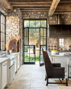 66 Amazing Rustic French Country Cottage Kitchen Ideas - Have Fun Decor - Rustic French Country Cottage Kitchen 15 Best Picture For country home decor For Your Taste You a - Country Kitchen Designs, Rustic Kitchen Design, Farmhouse Kitchen Decor, Rustic Farmhouse, Kitchen Modern, Stone Kitchen, Kitchen Country, Rustic Design, Country Living