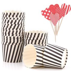 Queen of Hearts Party Decorations   Queen of hearts cupcake cases + picks