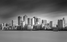 Canary Wharf. London. #canarywharf #thames #thamesriver #bwphotography #bw_lover #bwbeauty  #unlimitedlondon #thelondonlifeinc #fujifilm #foto_blackwhite #THISISLONDON #bnw  #bnw_life #bnw_captures #bnw_rose #bnw_city #bnw_globe #bnw_planet #bnw_lombardia #bnw_addicted #bnw_zone #bnw_of_our_world #bnw_rome #bnwphotography #bnw_one #london_city_photo #TOP_BNW_PHOTO by rafadiazmd